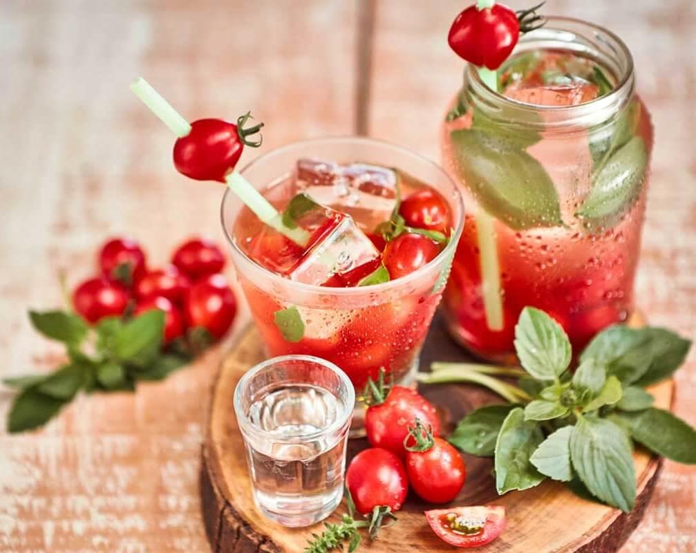 receita-drink-como-fazer-caipirinha-de-tomate
